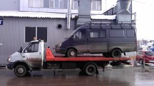 Микроавтобус Газель на эвакуаторе